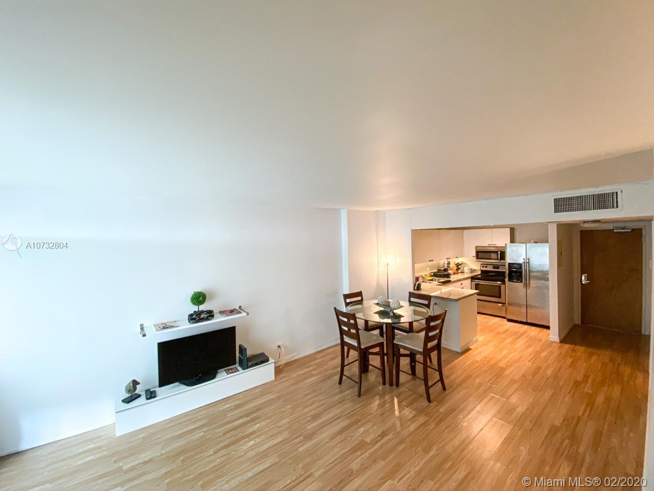 2301 Collins Ave #631 photo07