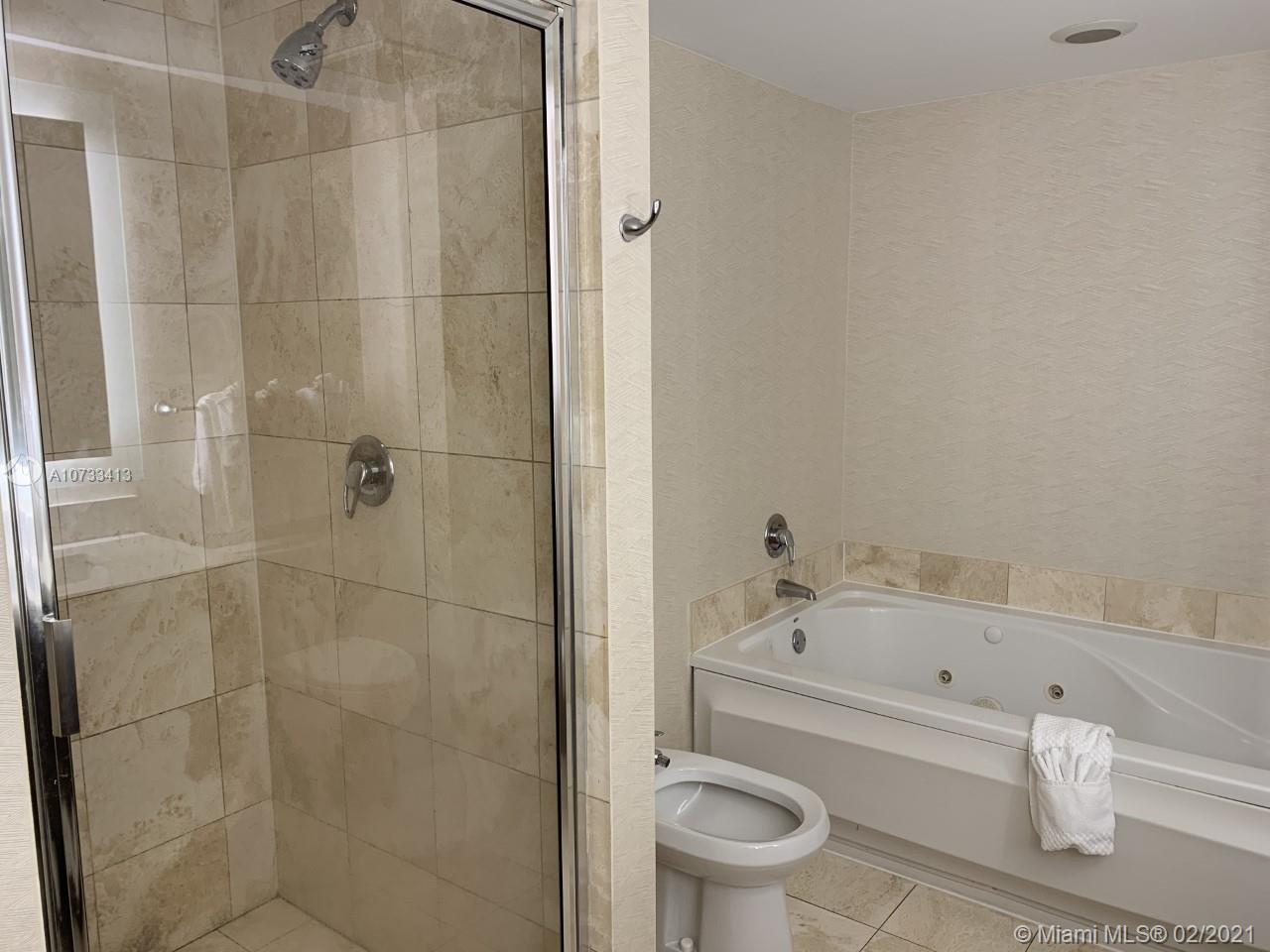 17375 Collins Ave #2204 photo016