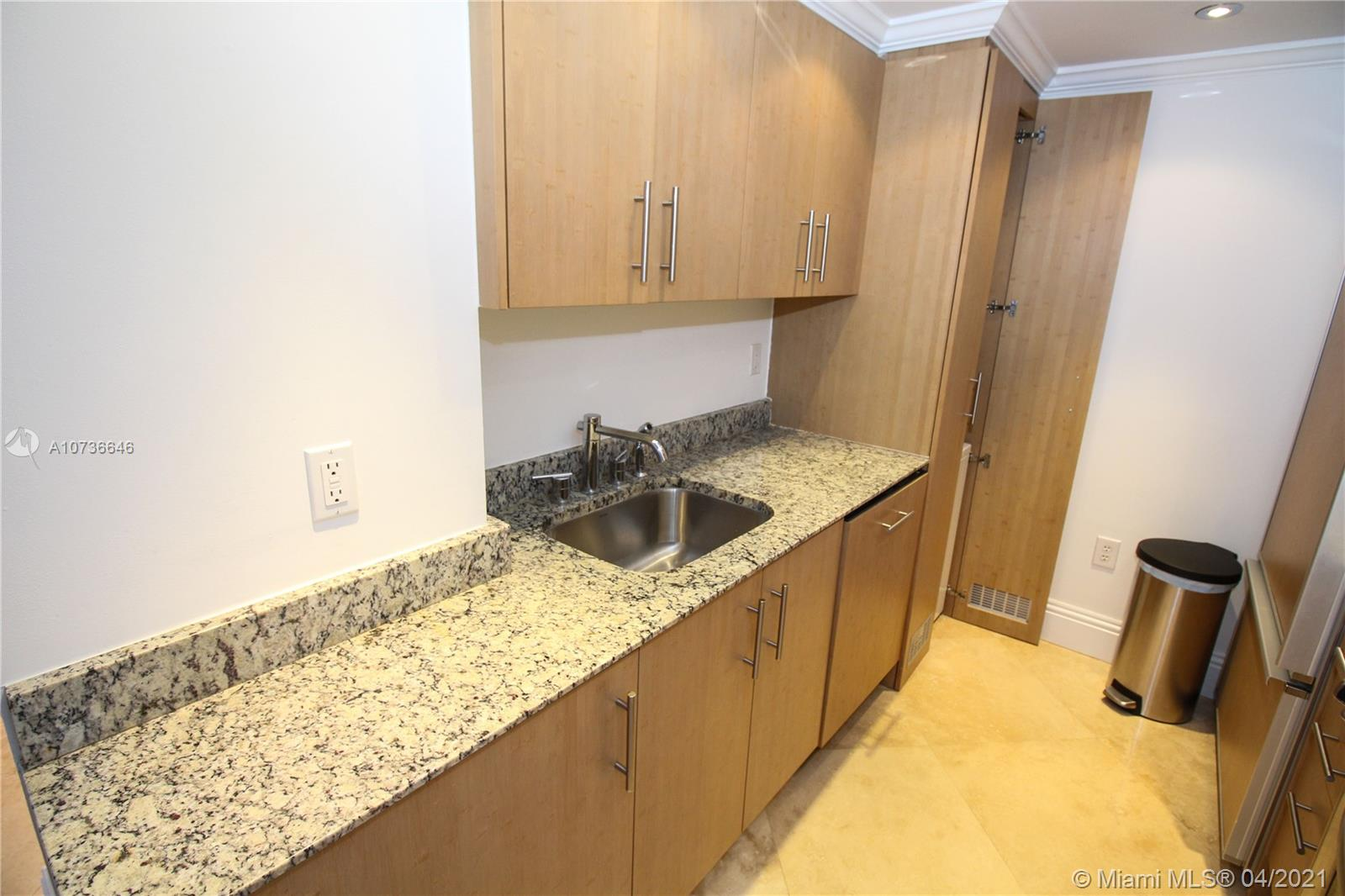 10275 Collins Ave #833 photo027