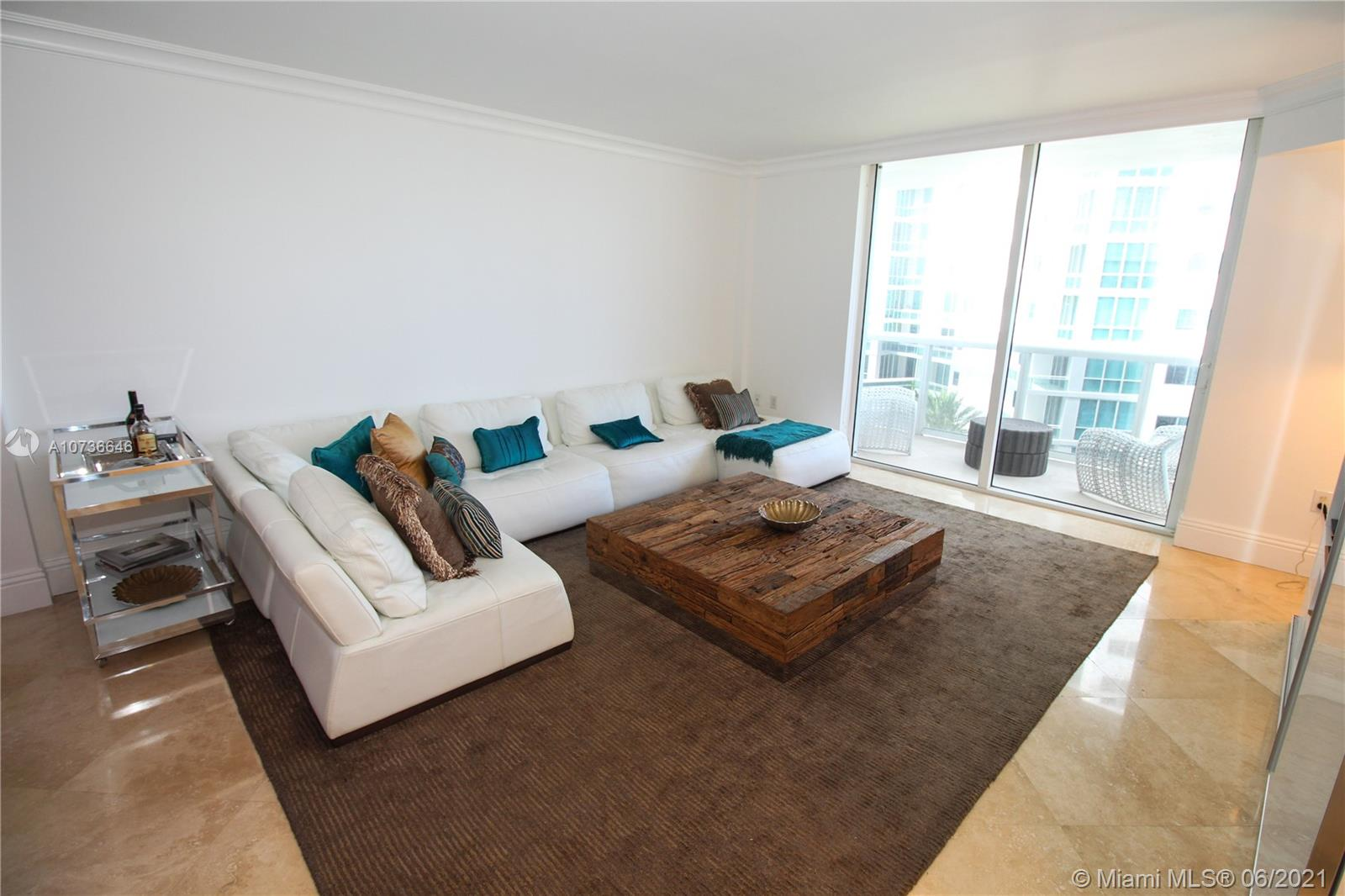 10275 Collins Ave #833 photo06
