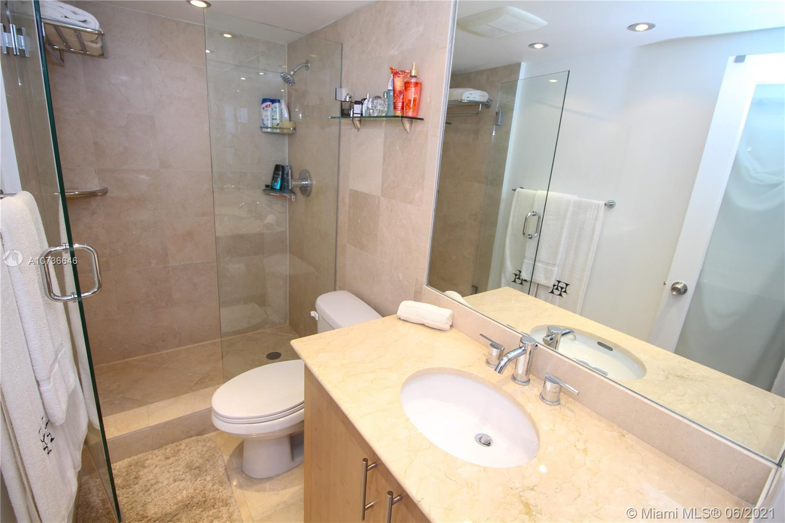 10275 Collins Ave #833 photo032