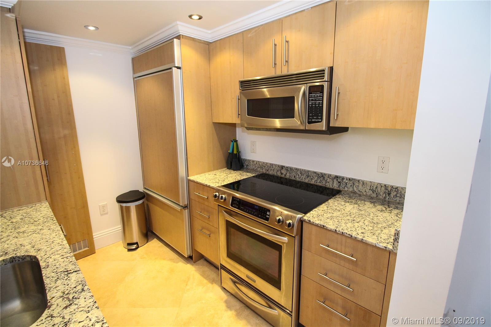 10275 Collins Ave #833 photo028
