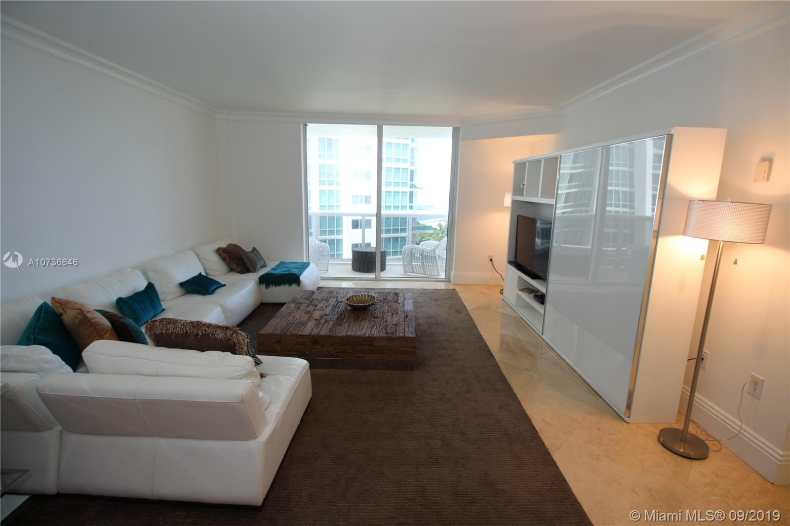 10275 Collins Ave #833 photo05