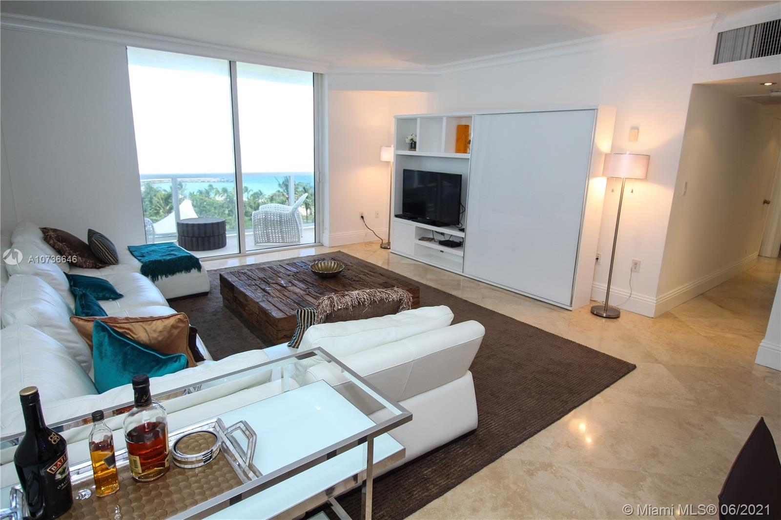 10275 Collins Ave #833 photo09