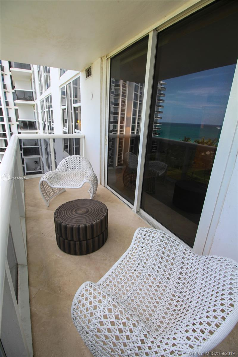 10275 Collins Ave #833 photo024