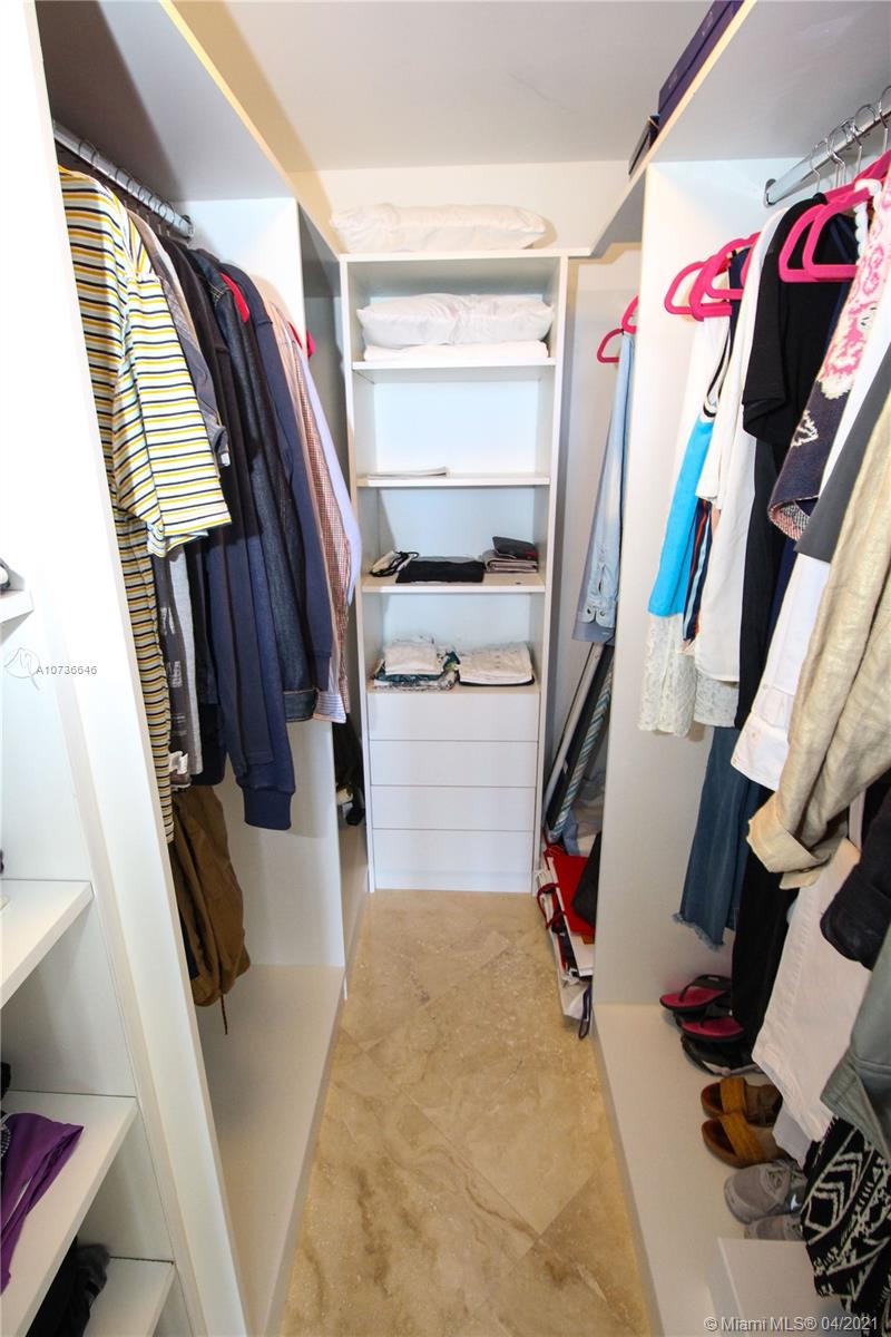 10275 Collins Ave #833 photo034