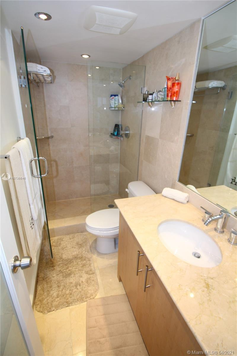 10275 Collins Ave #833 photo033