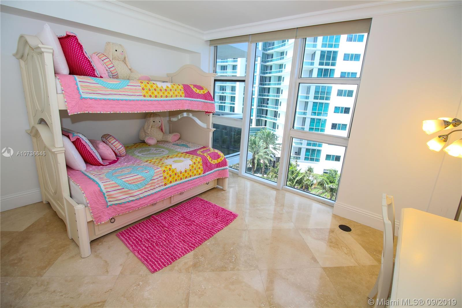 10275 Collins Ave #833 photo040