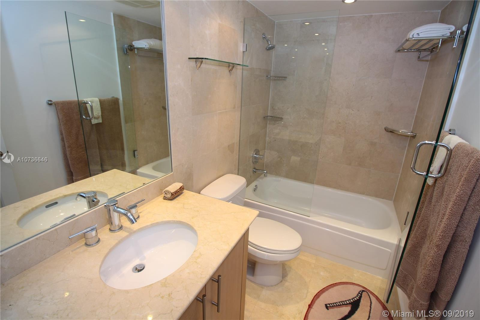 10275 Collins Ave #833 photo031