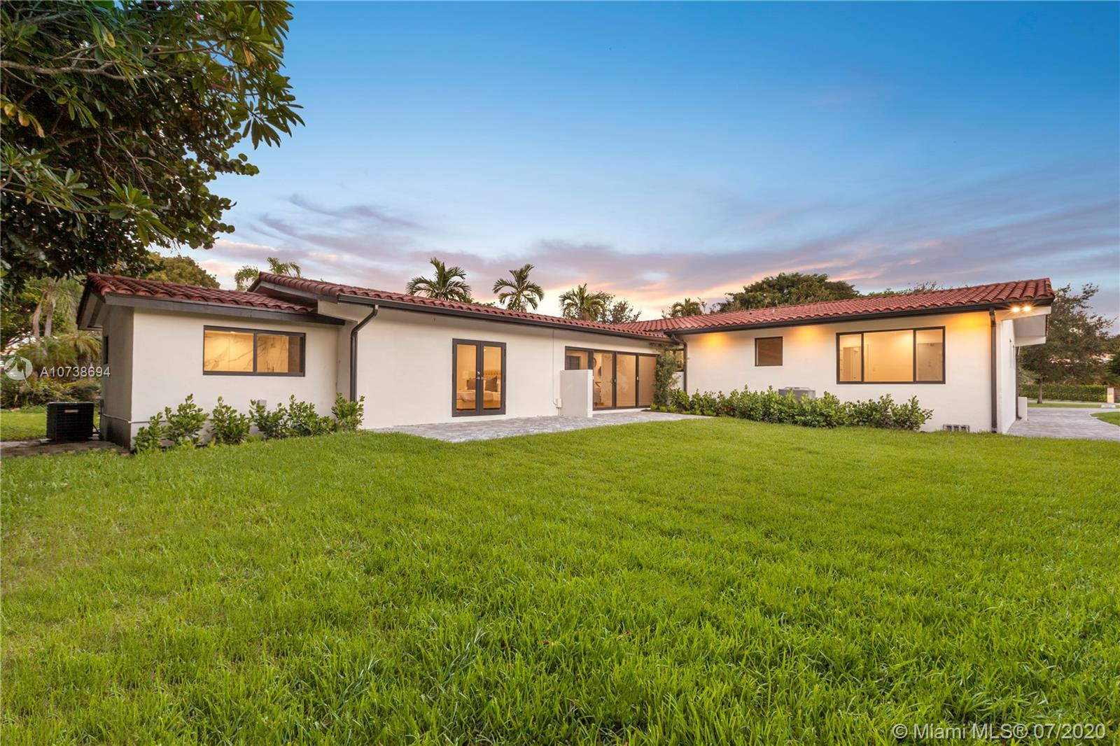 2834 De Soto Blvd, Coral Gables, Florida 33134, 4 Bedrooms Bedrooms, ,3 BathroomsBathrooms,Residential,For Sale,2834 De Soto Blvd,A10738694