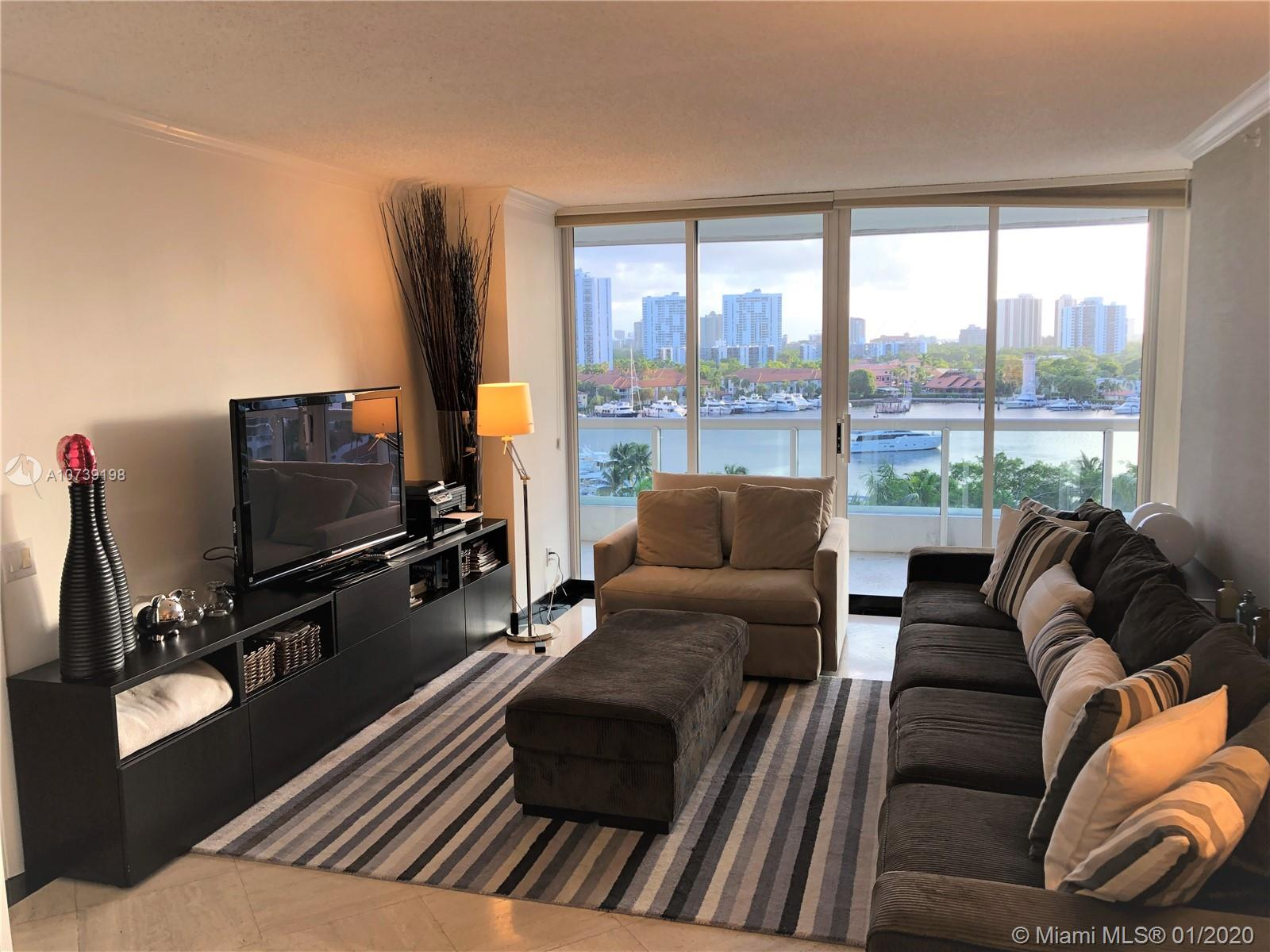 Property 21205 Yacht Club Dr #907 image 2