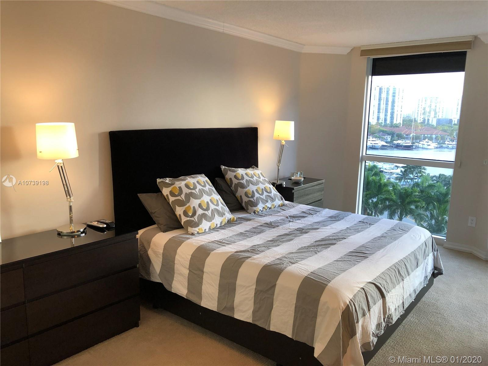 Property 21205 Yacht Club Dr #907 image 9