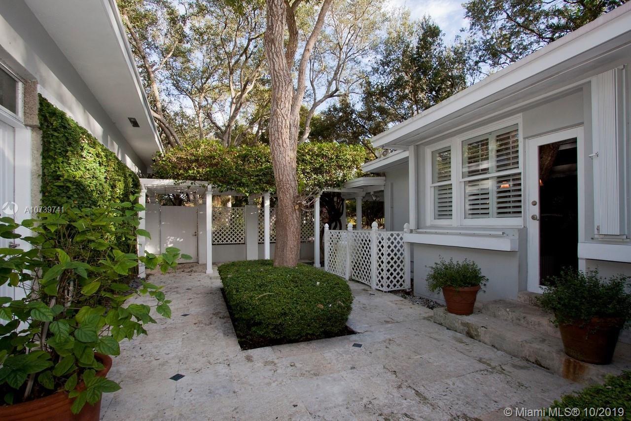 Palm Miami Heights # - 04 - photo