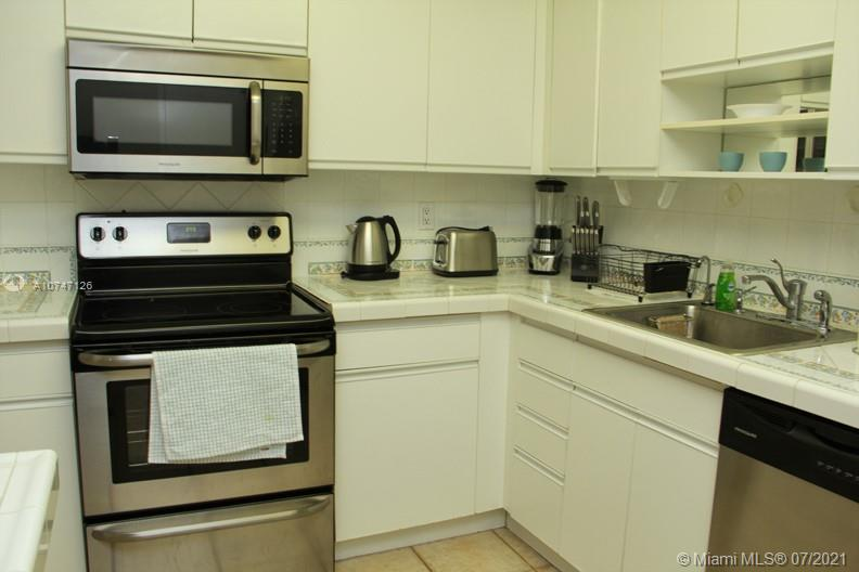 5151 Collins Ave #427 photo012