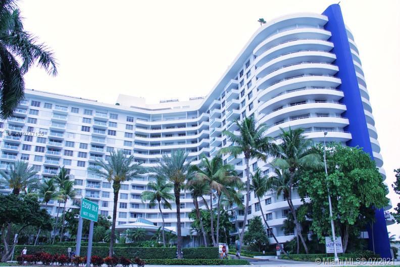 Seacoast 5151 #427 - 5151 Collins Ave #427, Miami Beach, FL 33140