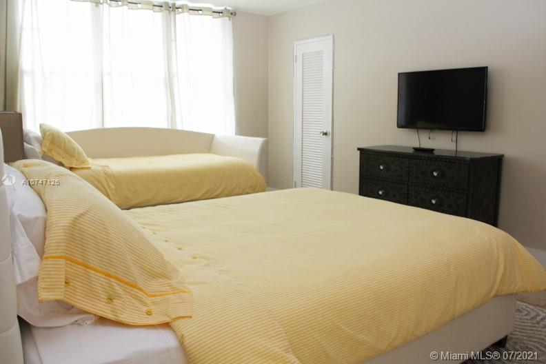 5151 Collins Ave #427 photo05