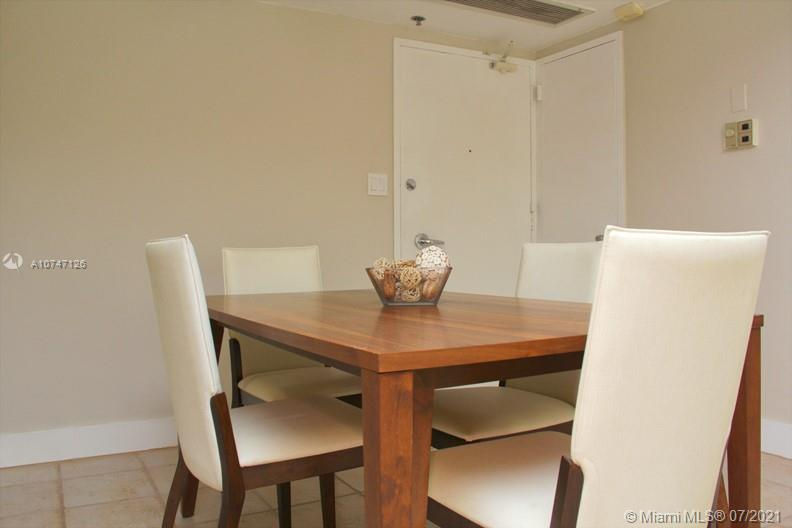 5151 Collins Ave #427 photo09