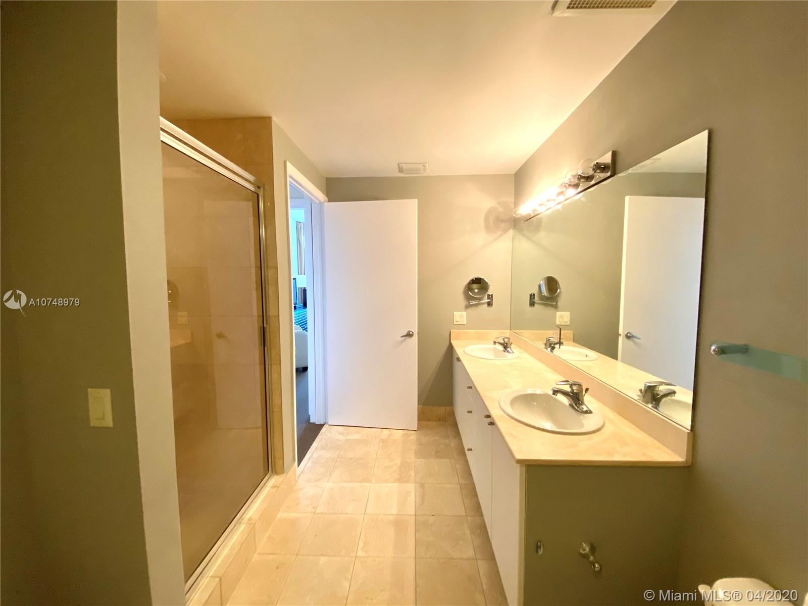 17375 COLLINS AVE #2606 photo042