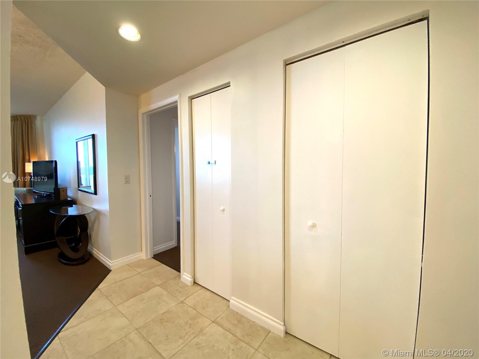 17375 COLLINS AVE #2606 photo032