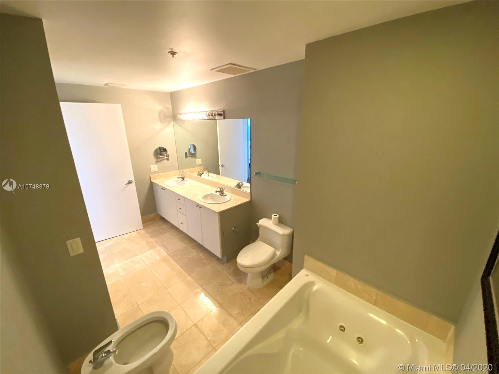 17375 COLLINS AVE #2606 photo041