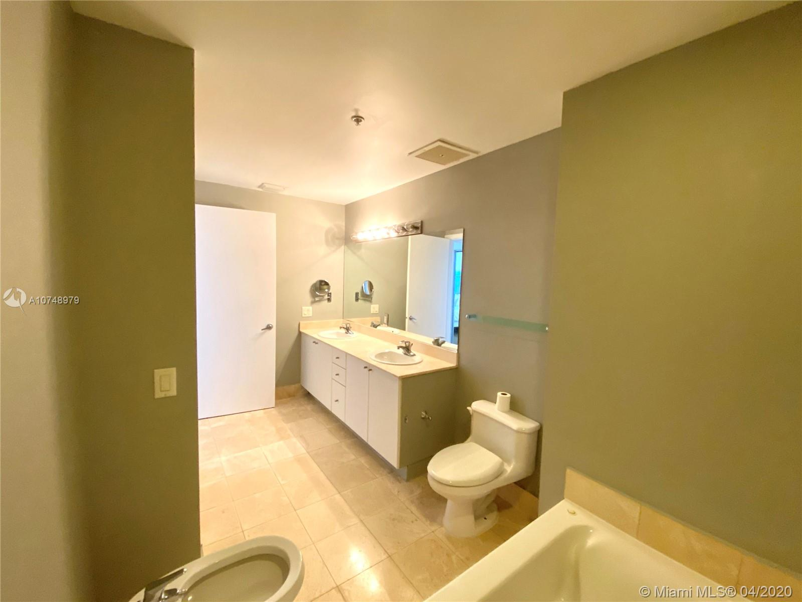 17375 COLLINS AVE #2606 photo040