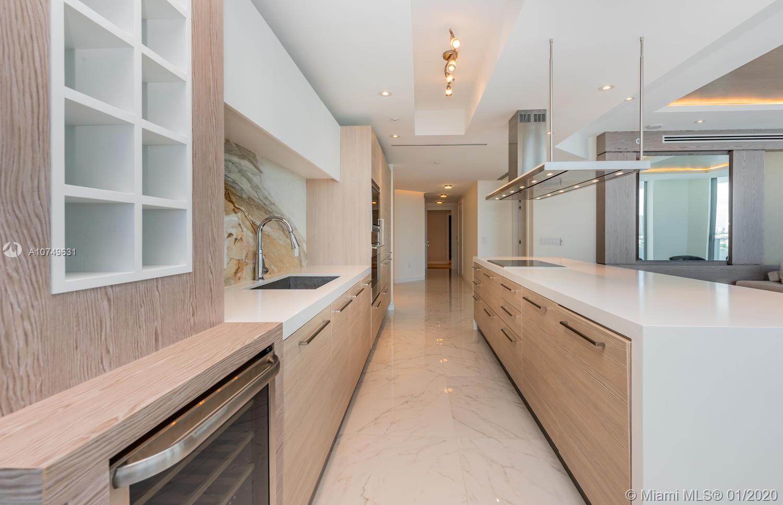 Property 17111 Biscayne Blvd #809 image 10
