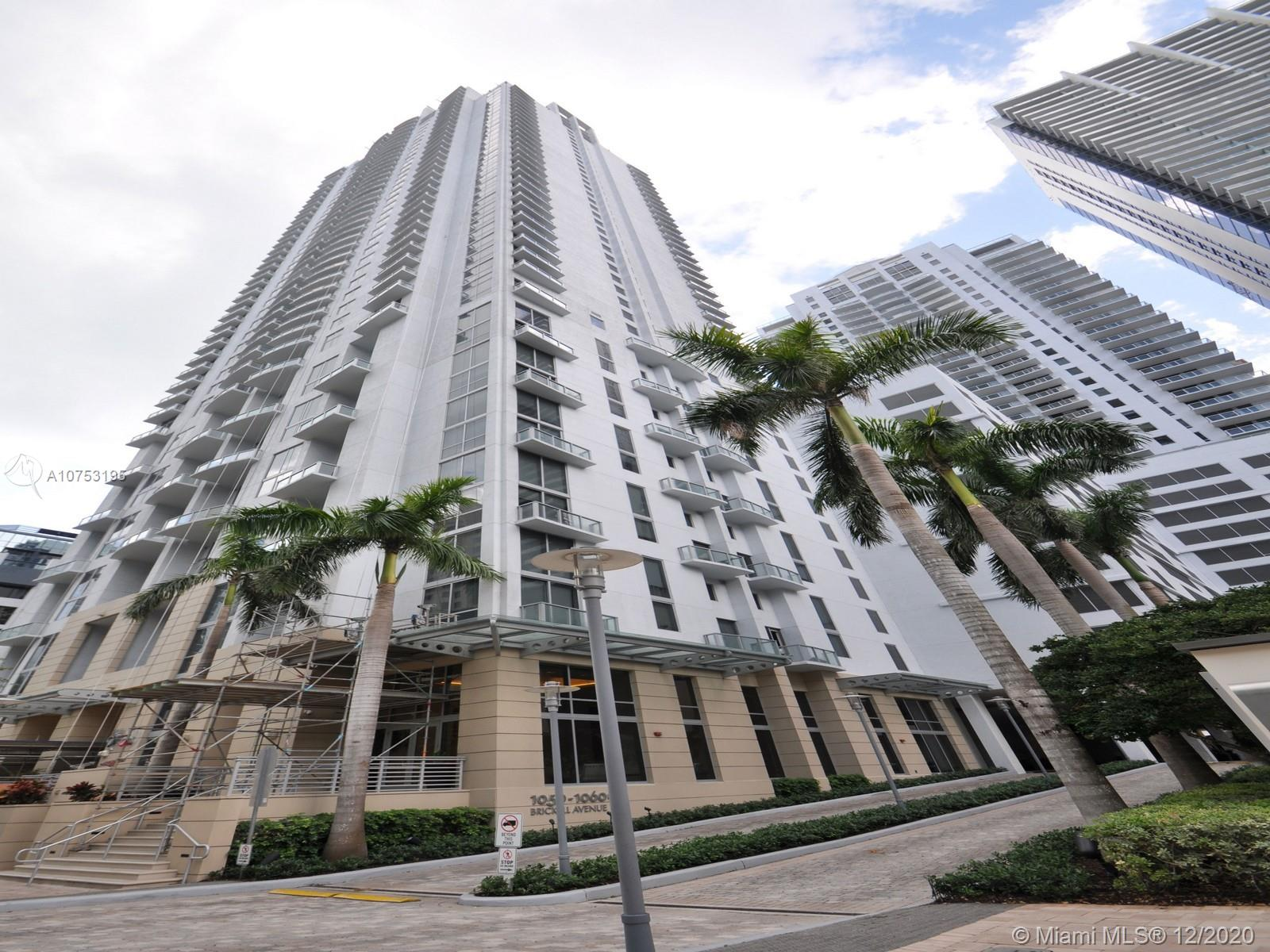 1060 Brickell Ave #3111 photo02