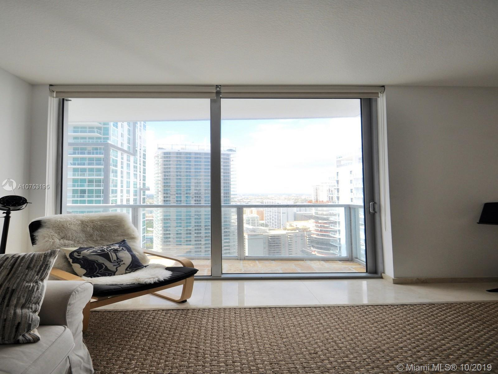 1060 Brickell Ave #3111 photo06