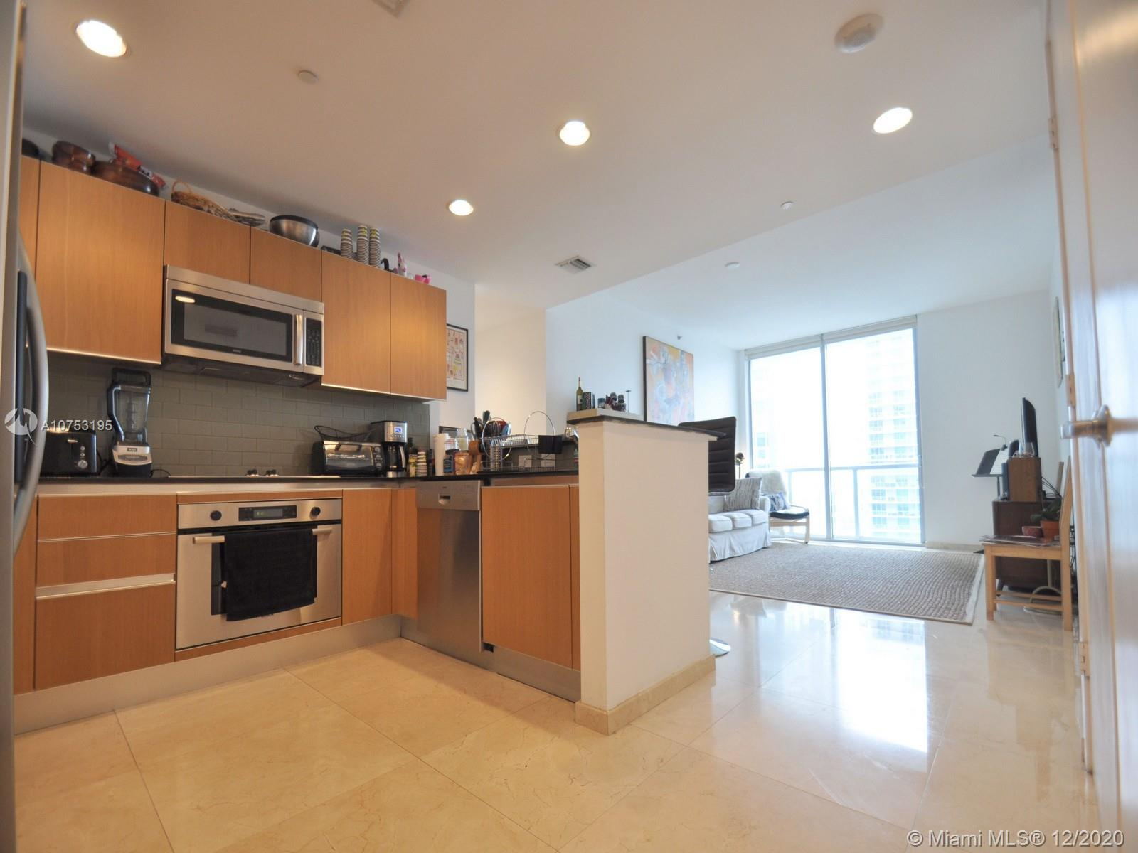 1060 Brickell Ave #3111 photo07