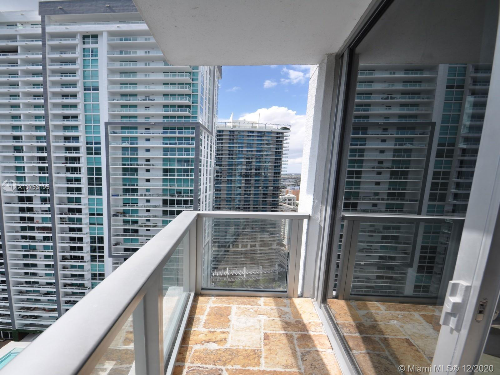 1060 Brickell Ave #3111 photo018