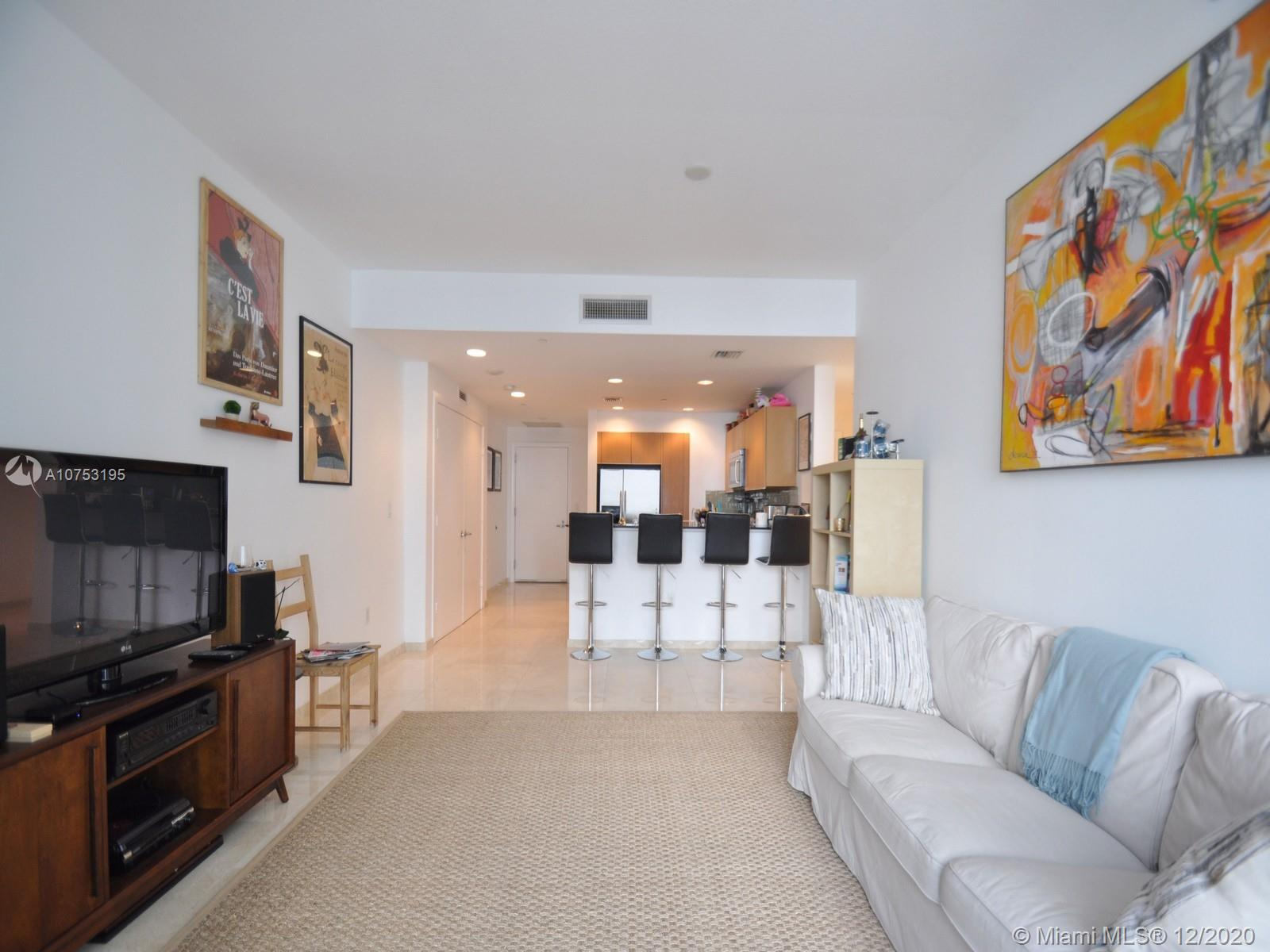 1060 Brickell Ave #3111 photo04