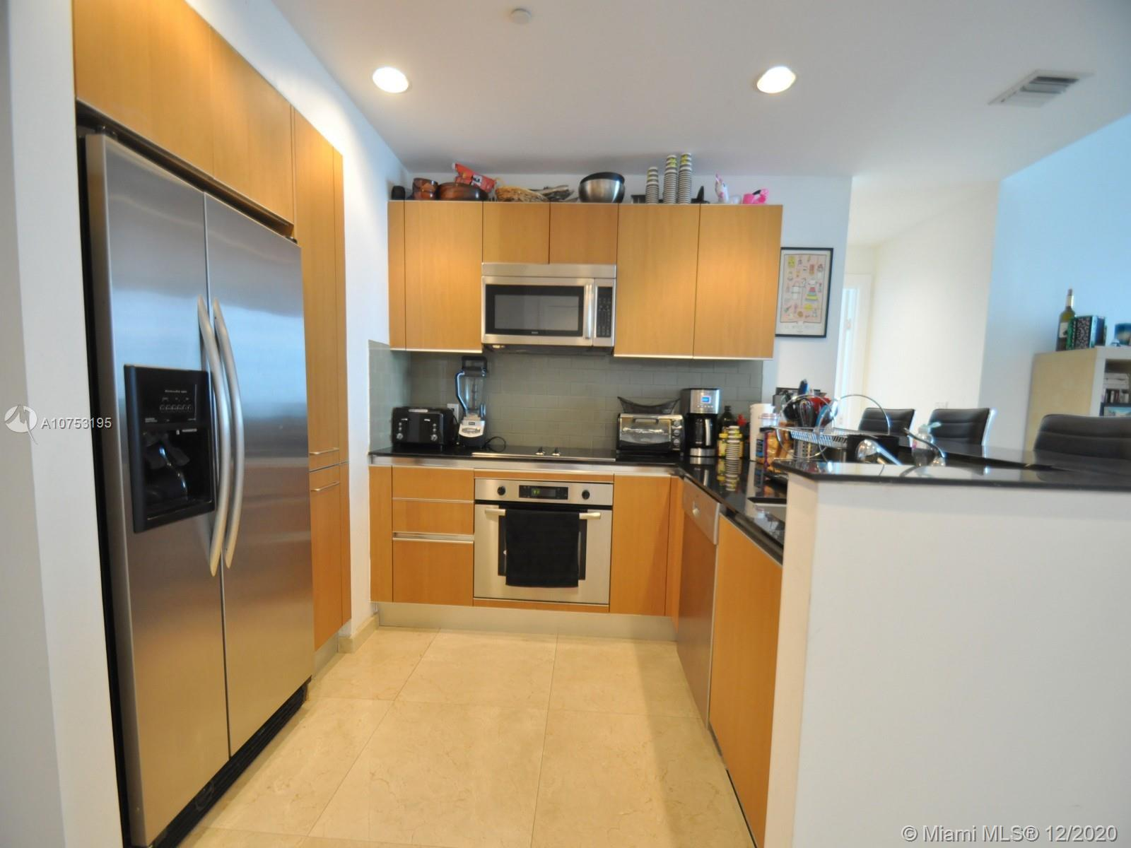 1060 Brickell Ave #3111 photo08