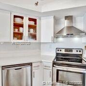 6767 Collins Ave #408 photo027