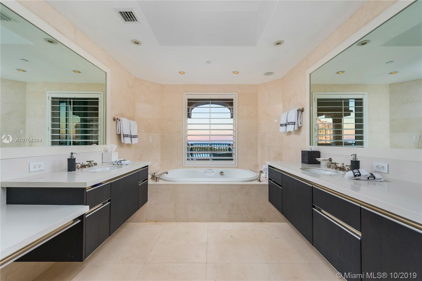 7171 Fisher Island Dr #7171 photo08