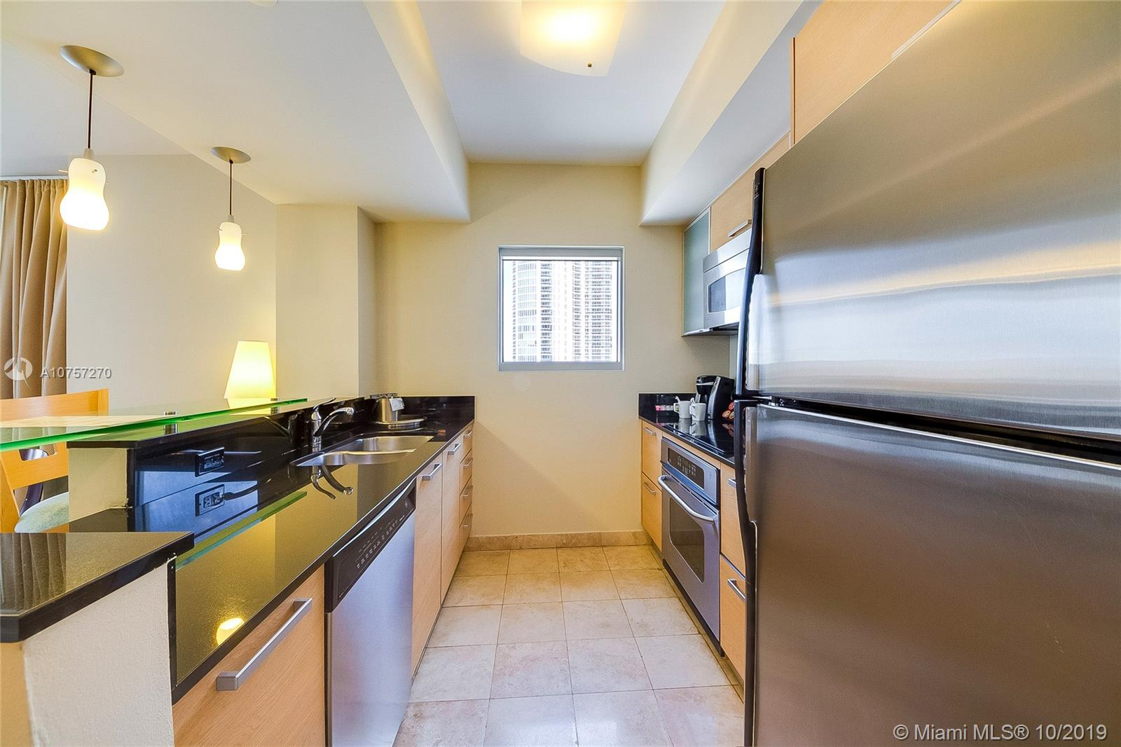 18683 Collins Ave #1407 photo05