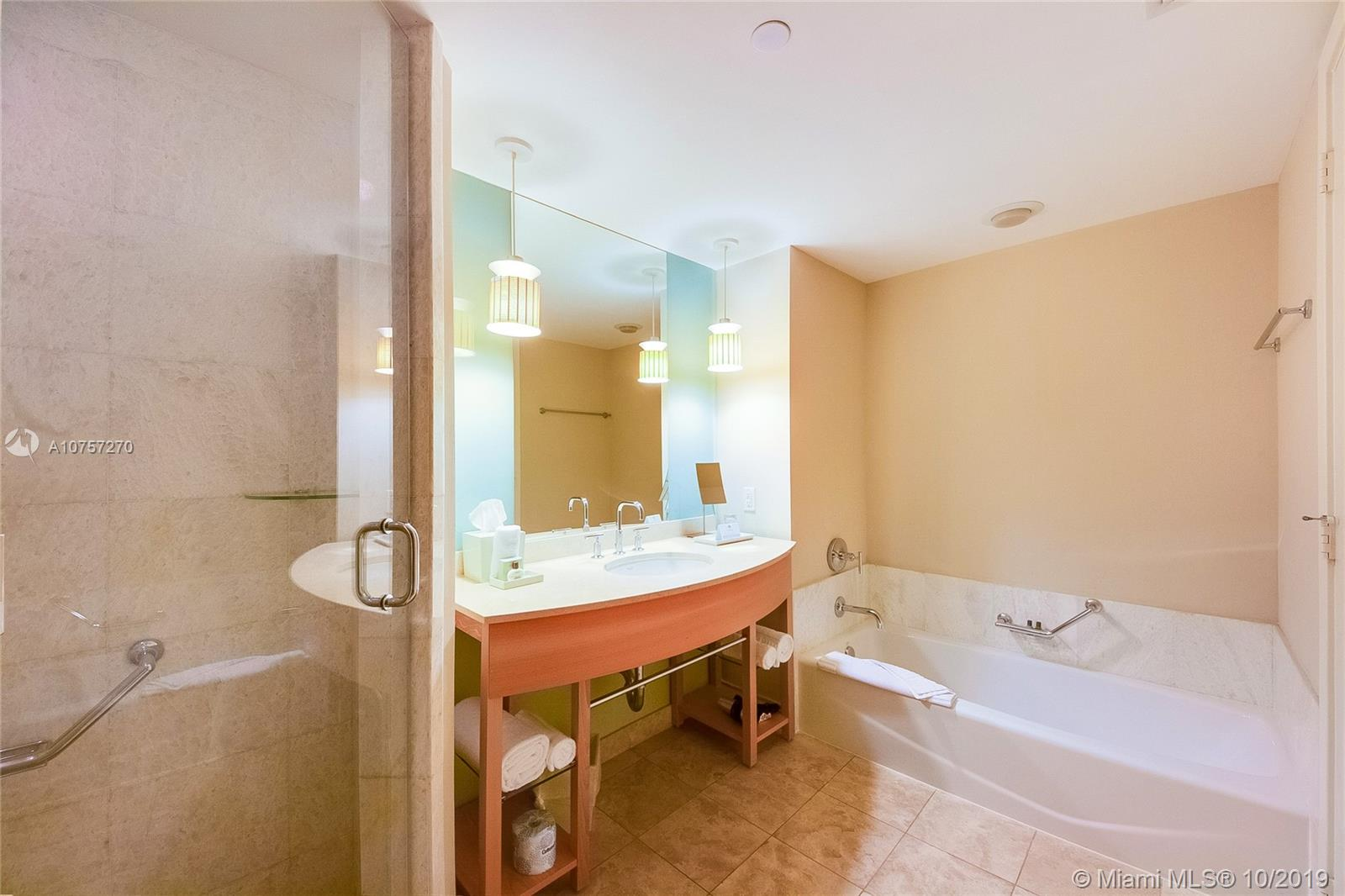 18683 Collins Ave #1407 photo010
