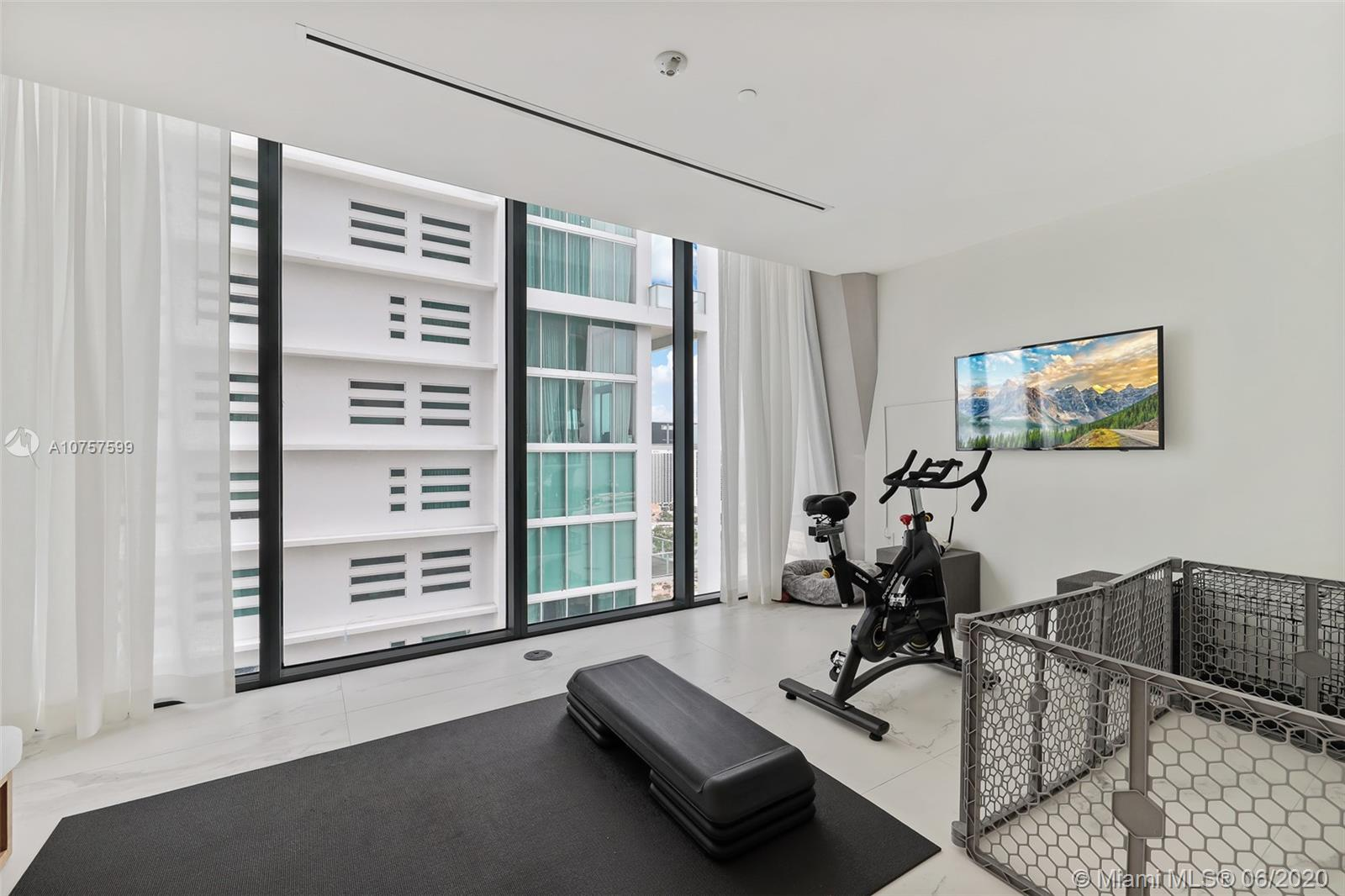 1000 Biscayne Blvd #2902 photo021