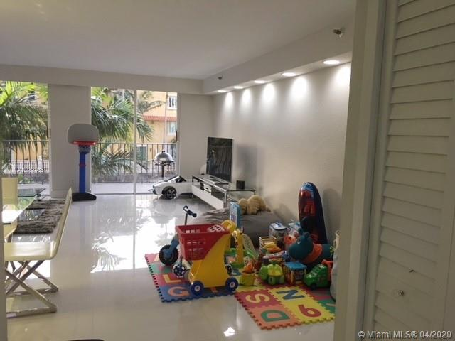 8877 Collins Ave #204 photo03