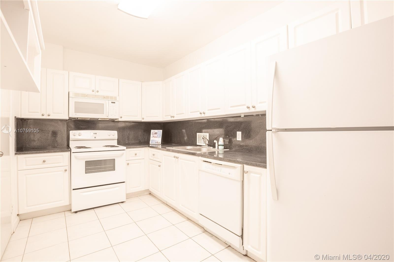 10185 Collins Ave #214 photo08