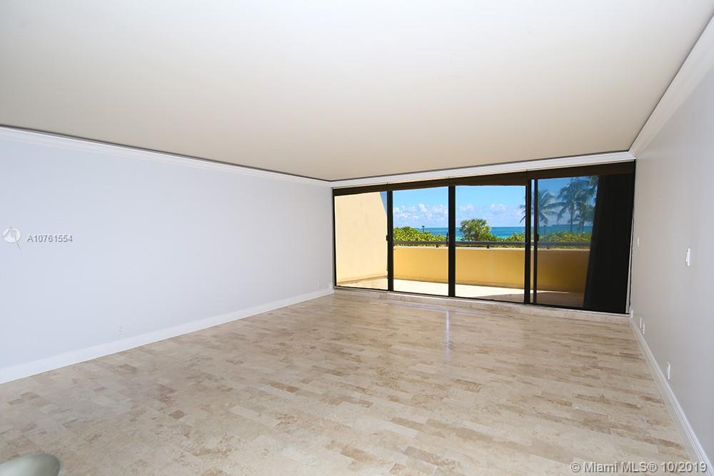 2555 Collins Ave #307 photo02