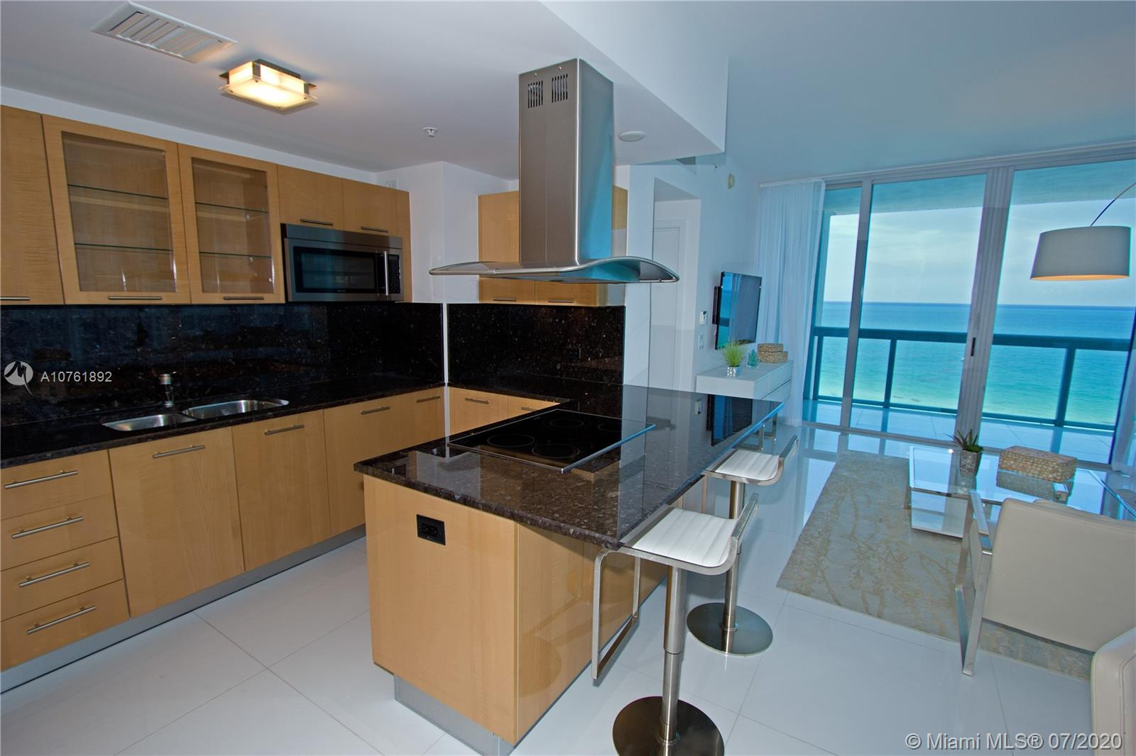 6899 Collins Ave #908 photo05