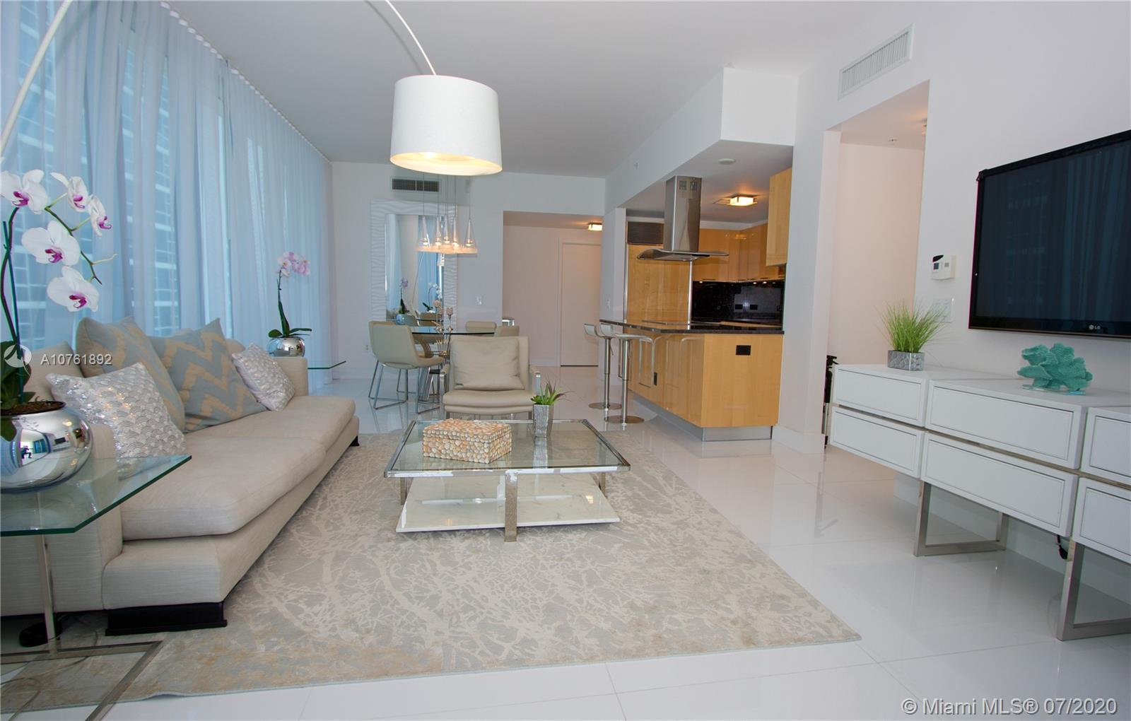 6899 Collins Ave #908 photo010