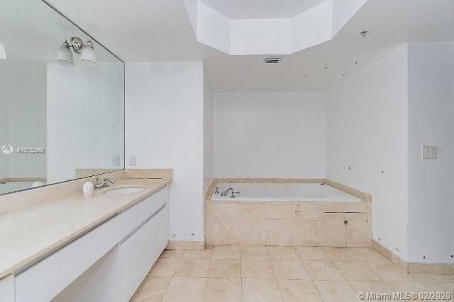 16711 Collins Ave #1007 photo024