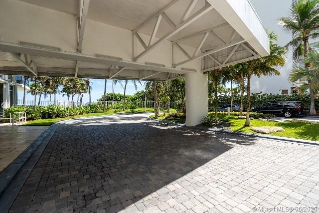 16711 Collins Ave #1007 photo04