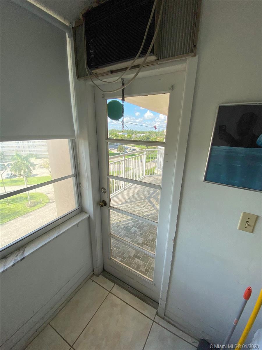 18021 Biscayne Blvd #601 photo07