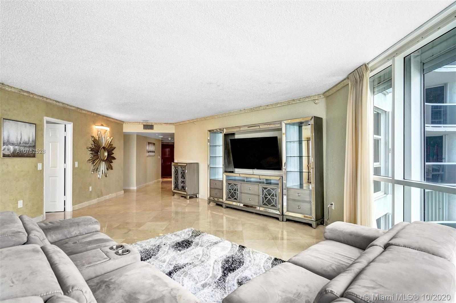16711 Collins Ave #1208 photo01