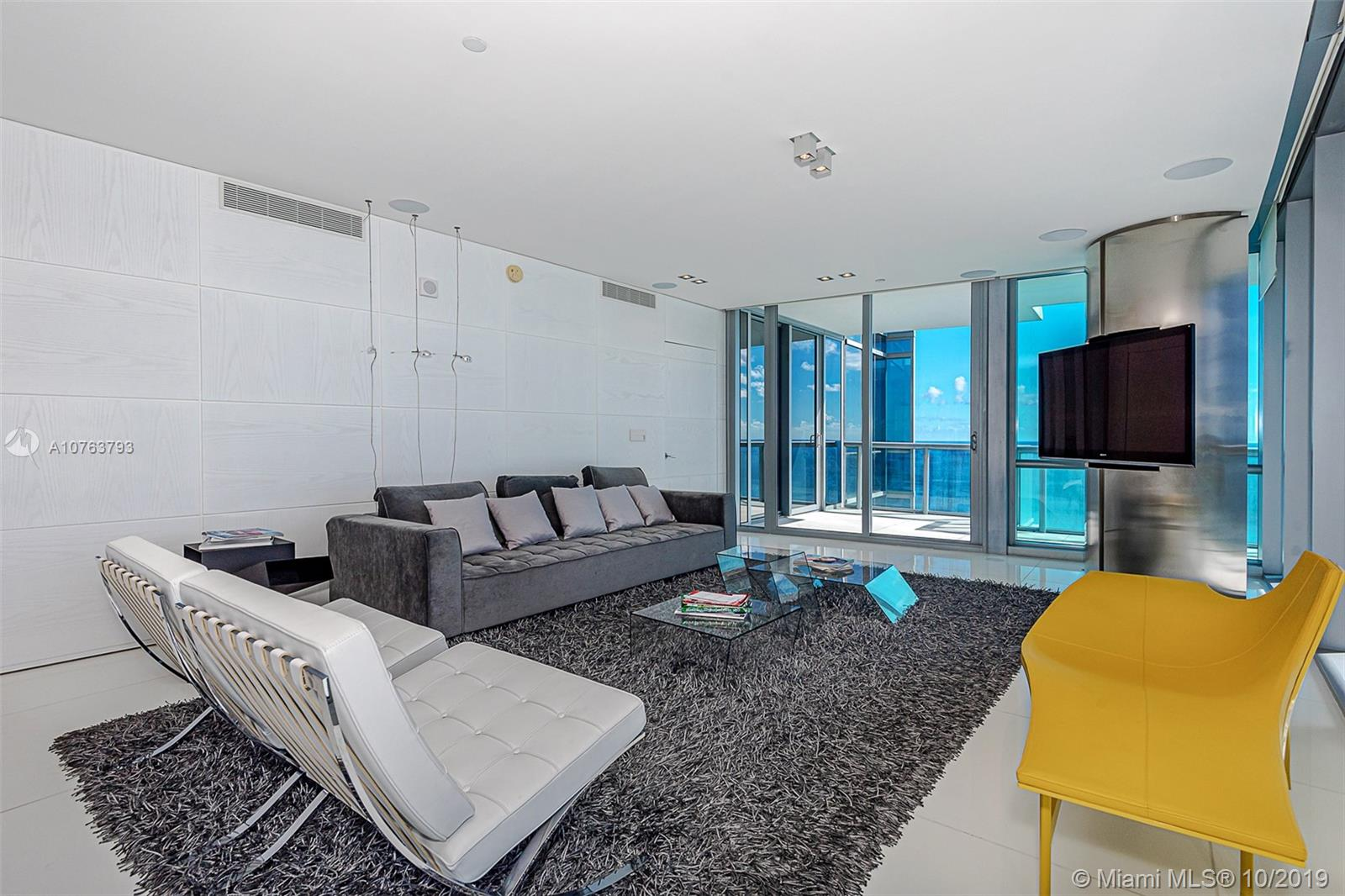 Property 17121 Collins Ave #3501 image 2