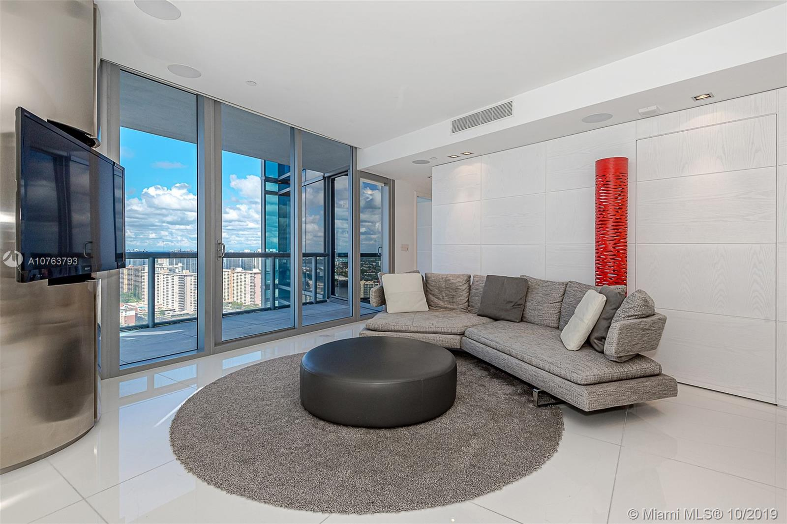 Property 17121 Collins Ave #3501 image 9
