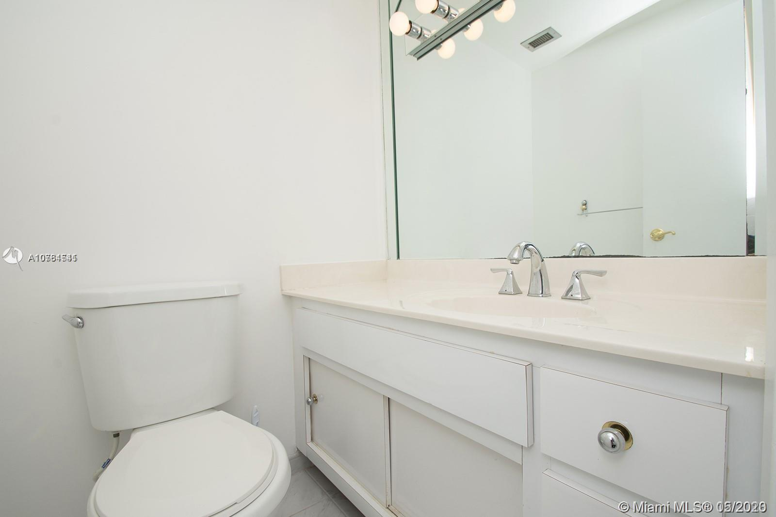 300 Bayview Dr #611 photo07