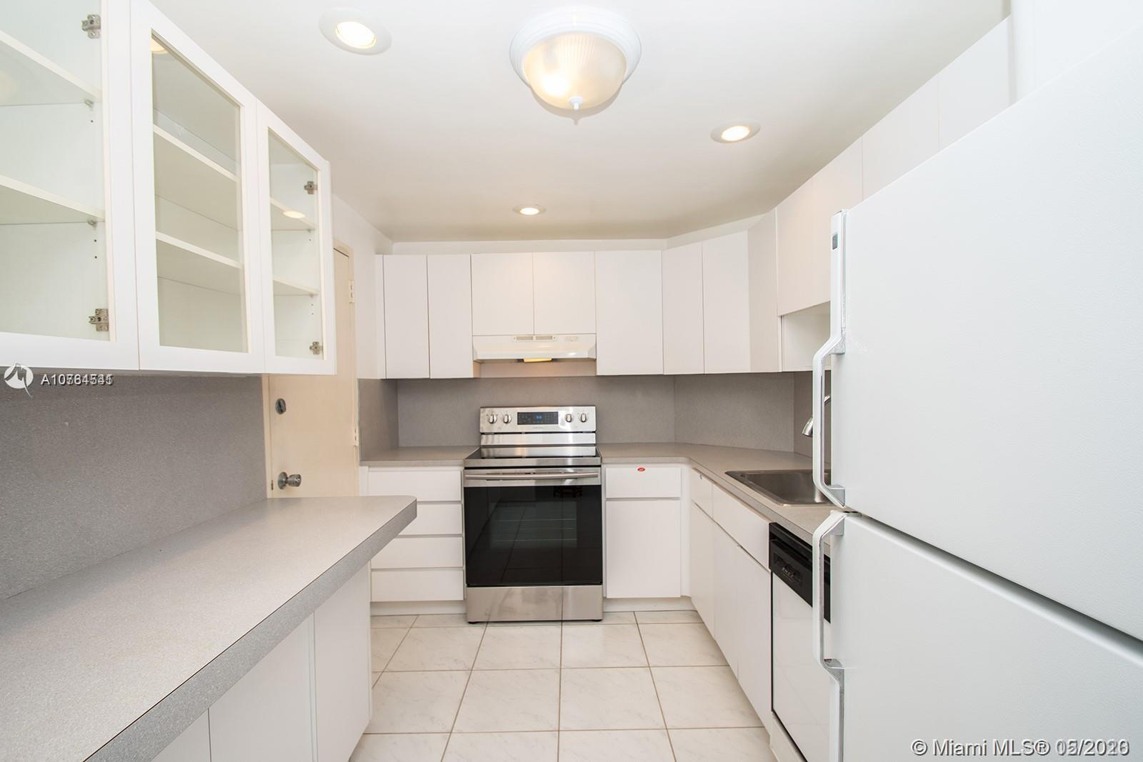 300 Bayview Dr #611 photo015